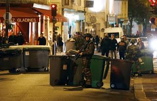Total ada 6 lokasi serangan. Belum ada detail jumlah korban di lokasi lain selain Bataclan. Hanya disebutkan bahwa sejumlah orang bersenjata menembaki dengan membabi buta di sejumlah restoran di dekat landmark tersebut.
