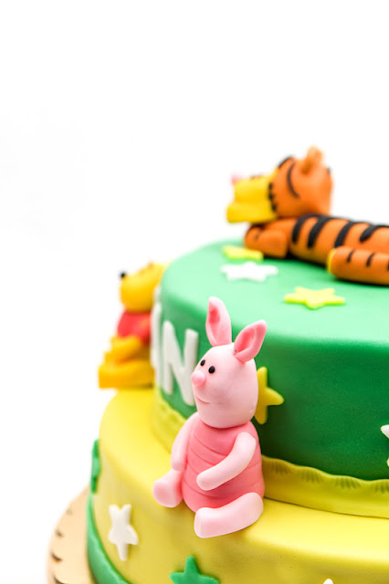 Winnie the Pooh fondant cake close shot on pigglet topper