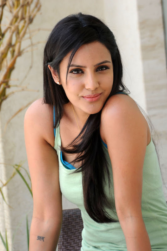 Priya Anand Cute Photo Stills Gallery Photoshoot images