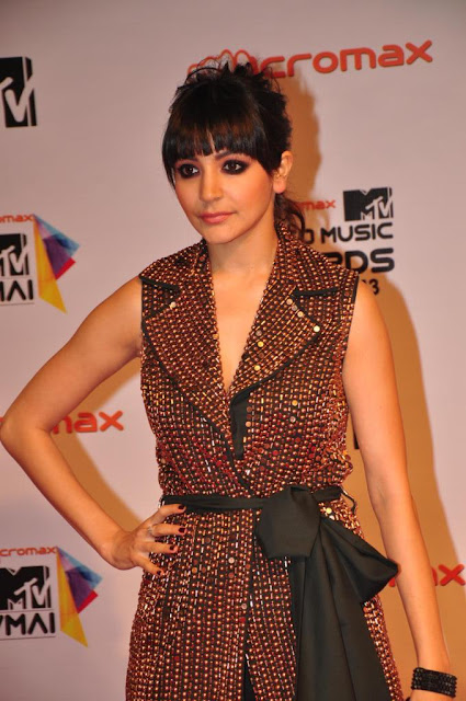 Priyanka, Anushka & others dazzle at MTV Video Music Awards