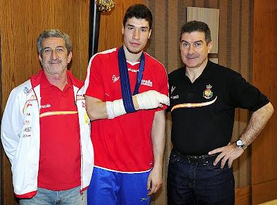 Alex Dujshebaev se fractura una mano jugando contra Brasil | Mundo Handball