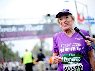 92 vjeçarja realizon maratonën prej 42 kilometrash