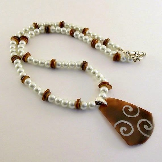 https://www.etsy.com/listing/218770202/necklace-lillypilly-mother-of-pearl?ref=favs_view_2