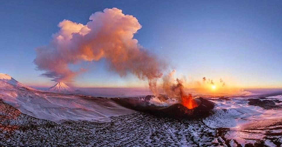 Gunung Berapi Plosky Tolbachik, Kamchatka, Rusia