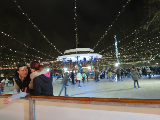 Chrismas market hyde park london ice skating