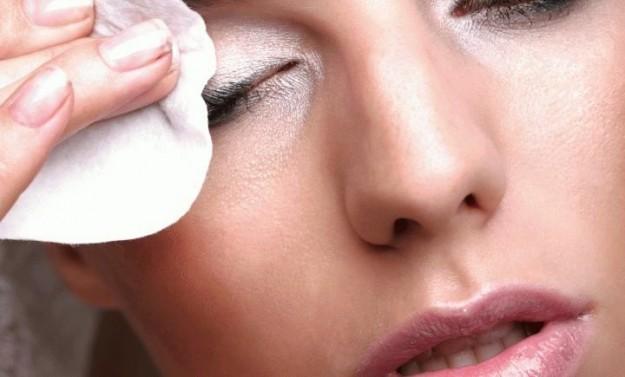 struccante occhi naturale, struccante occhi con olio di cocco, ricette cosmetiche fai da te