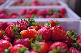 Fresh berries image