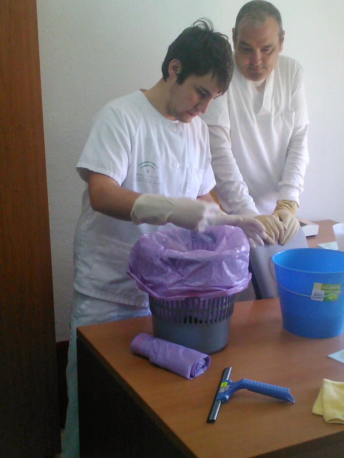 Curso de experto en limpieza y camarera de pisos for Camarera de pisos sueldo