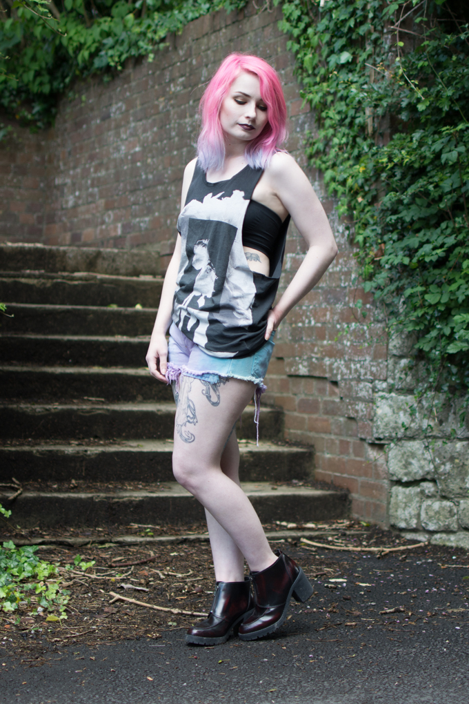 The Summer Goth Outfit