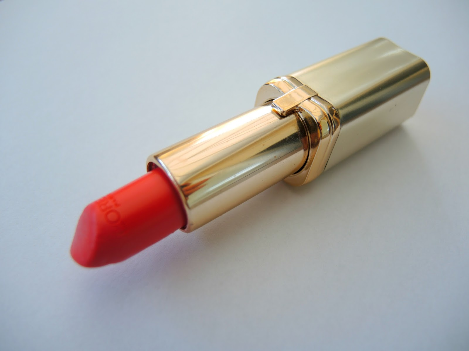 L'Oreal Paris Colour Riche 371 Pink Passion Review
