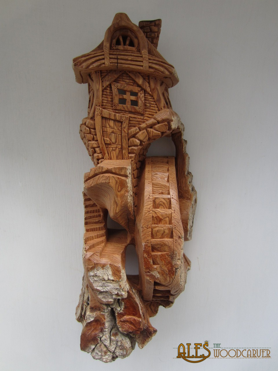 Ales the woodcarver and rest of carvings from