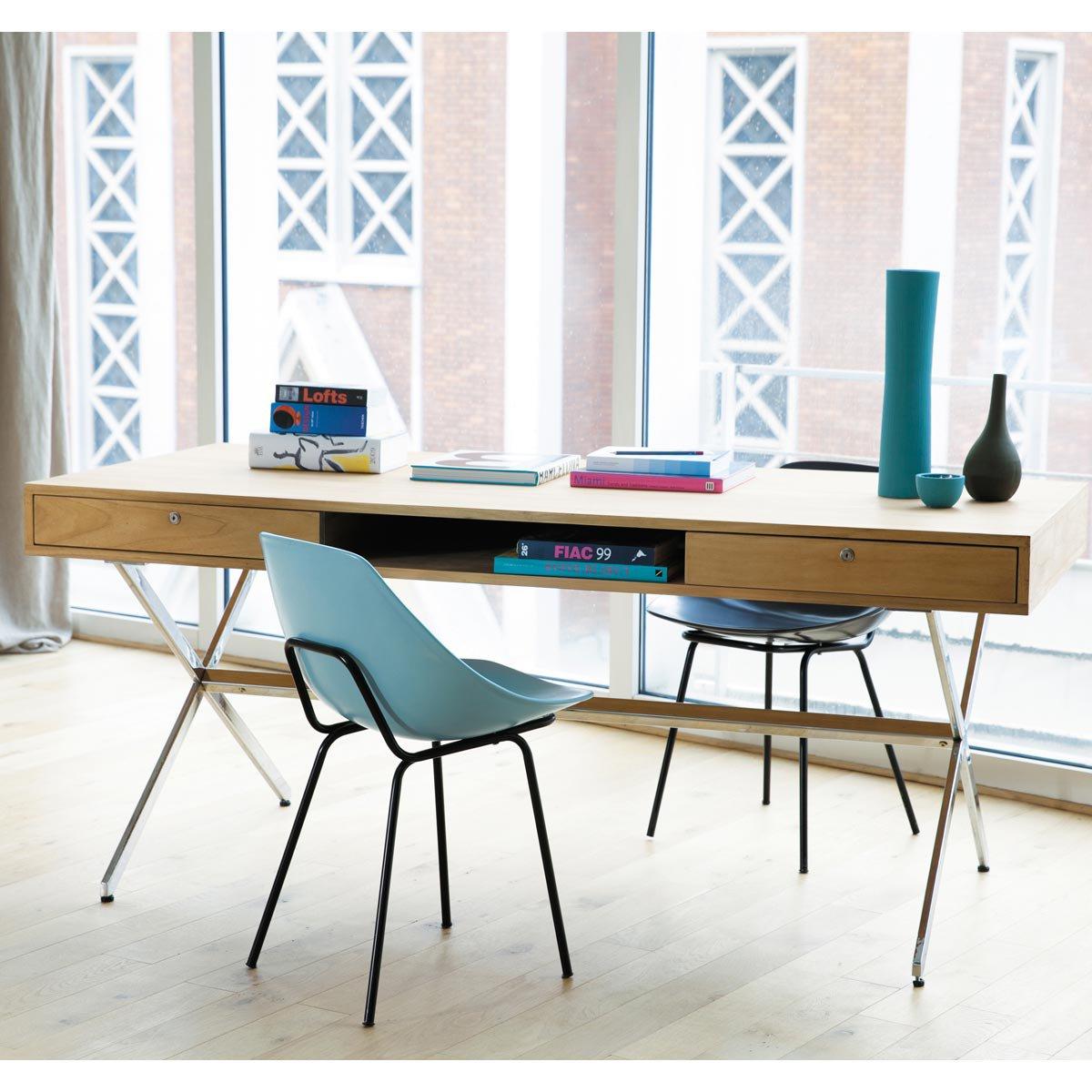 Muebles de los 50 y 60 en maisons du monde pierre guariche for Scrivania maison du monde