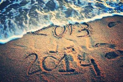 2013 2014 escrito en la playa