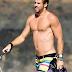 """Liam Hemsworth: """"No fotos mías sin camisa en mi Twitter"""" ¿Indirecta para Nick Jonas?"""