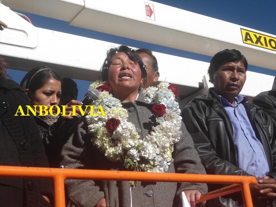 El Alto: Chapetón destituye a subalcaldesa Condori y vecinos suspenden el bloqueo