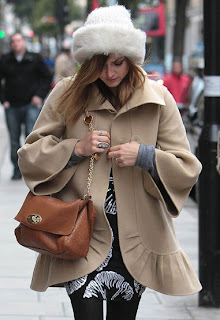 czapa rosyjska, moda styl, jesienne inspiracje, street style, modne czapki, beret, berety, francuzki beret