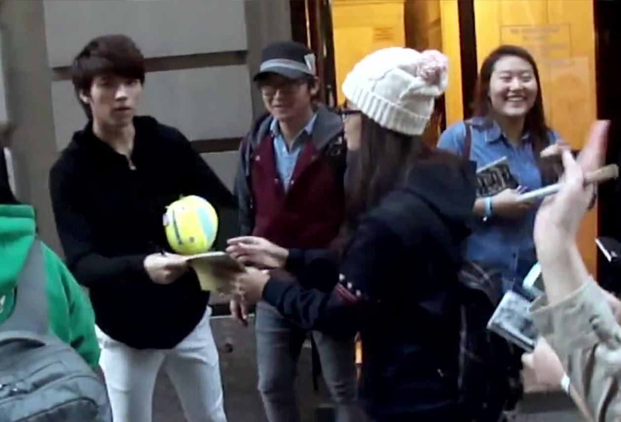 INFINITE Woohyun Awesome Fan Servise