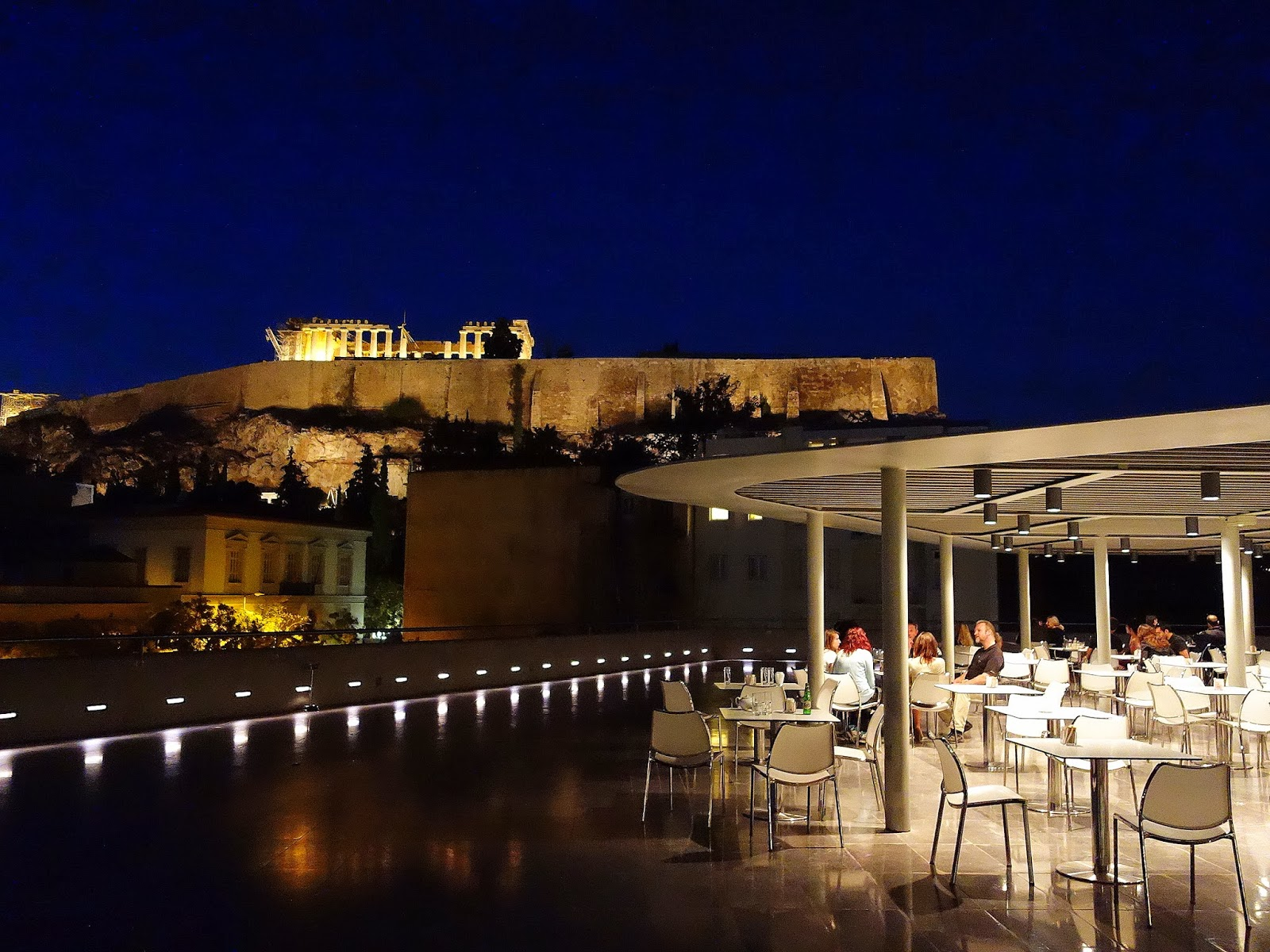 Eat drink kl acropolis museum restaurant athens greece for Acropolis cuisine