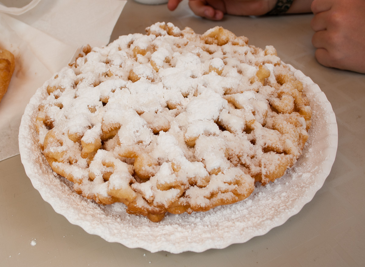 Smoky Bears Famous Food Kitchen And Funnel Cakes Parkway