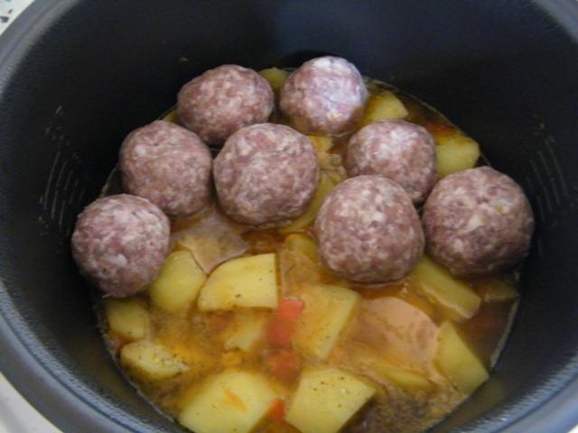 Тефтели с картошкой в мультиварке рецепт с фото