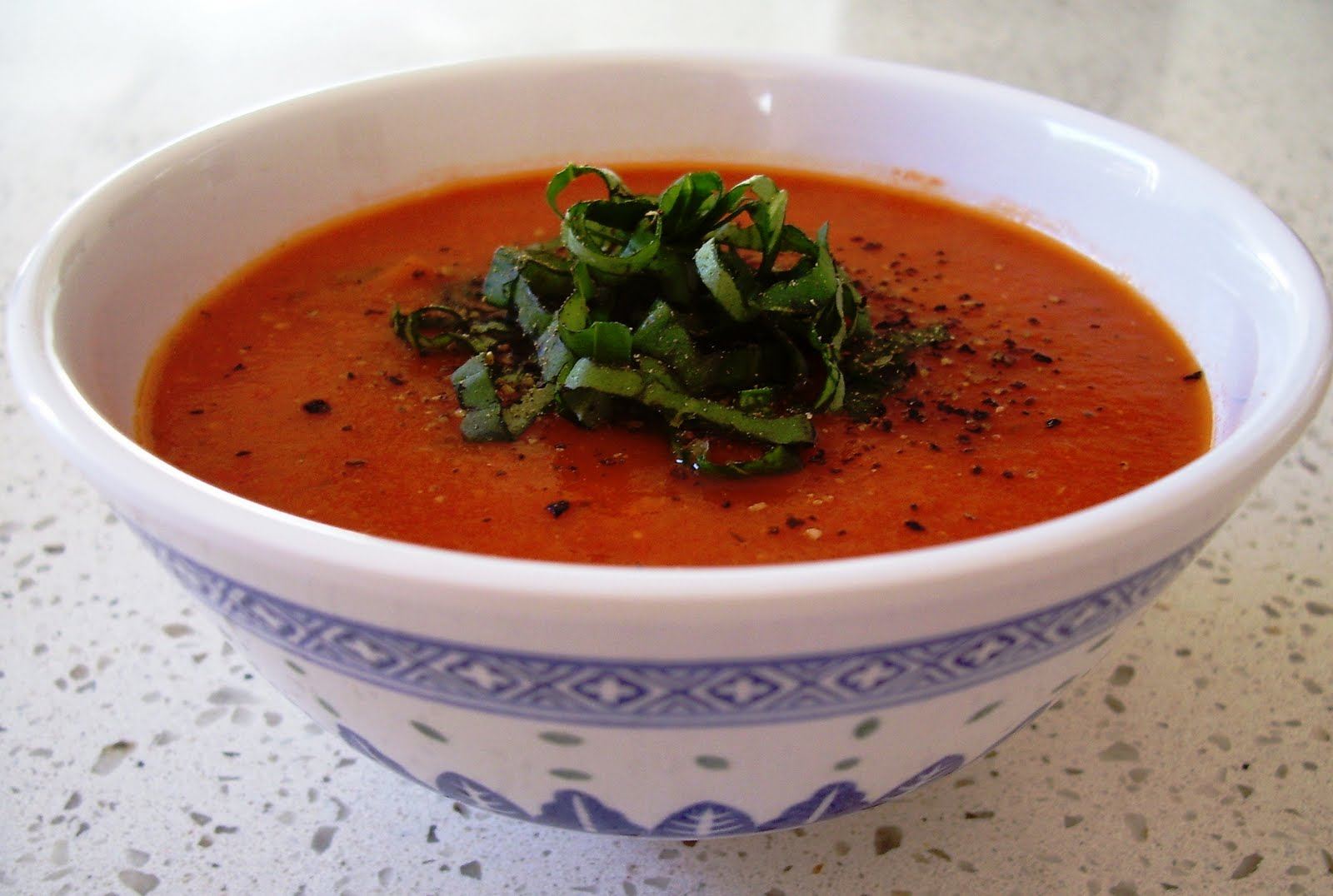 Veganise This!: Smoky tomato and lentil soup