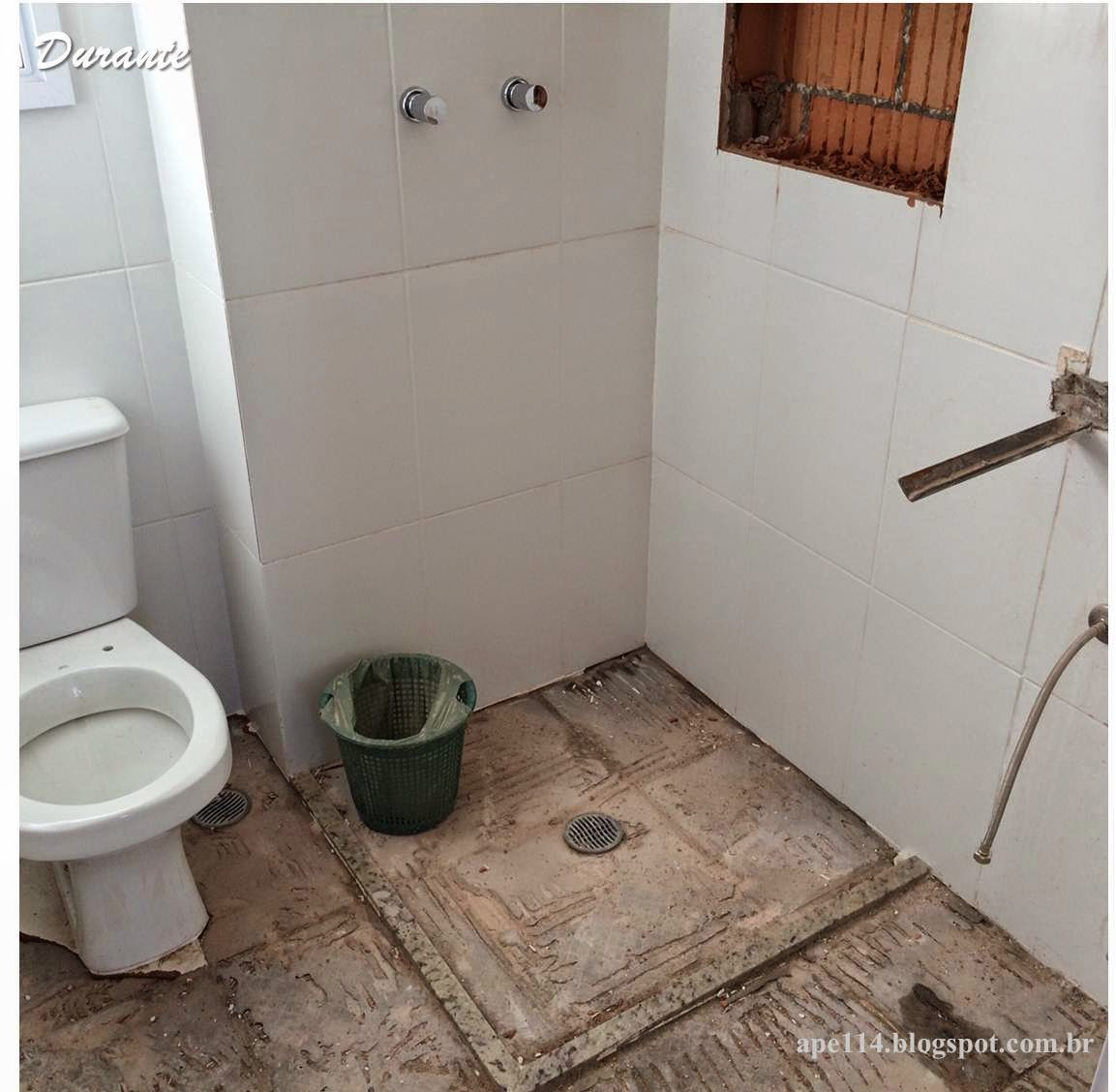 Apê 114: Novembro 2014 #654A3A 1153x1128 Banheiro Com Porcelanato Escorrega