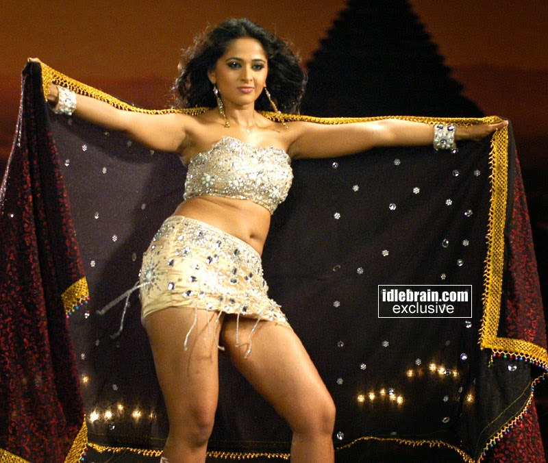 Anushka Shetty Hottest Thighs Show