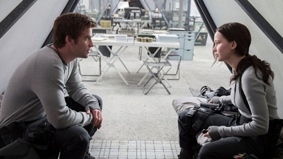 kostum tokoh film the hunger games: mockingjay part 2 - 10
