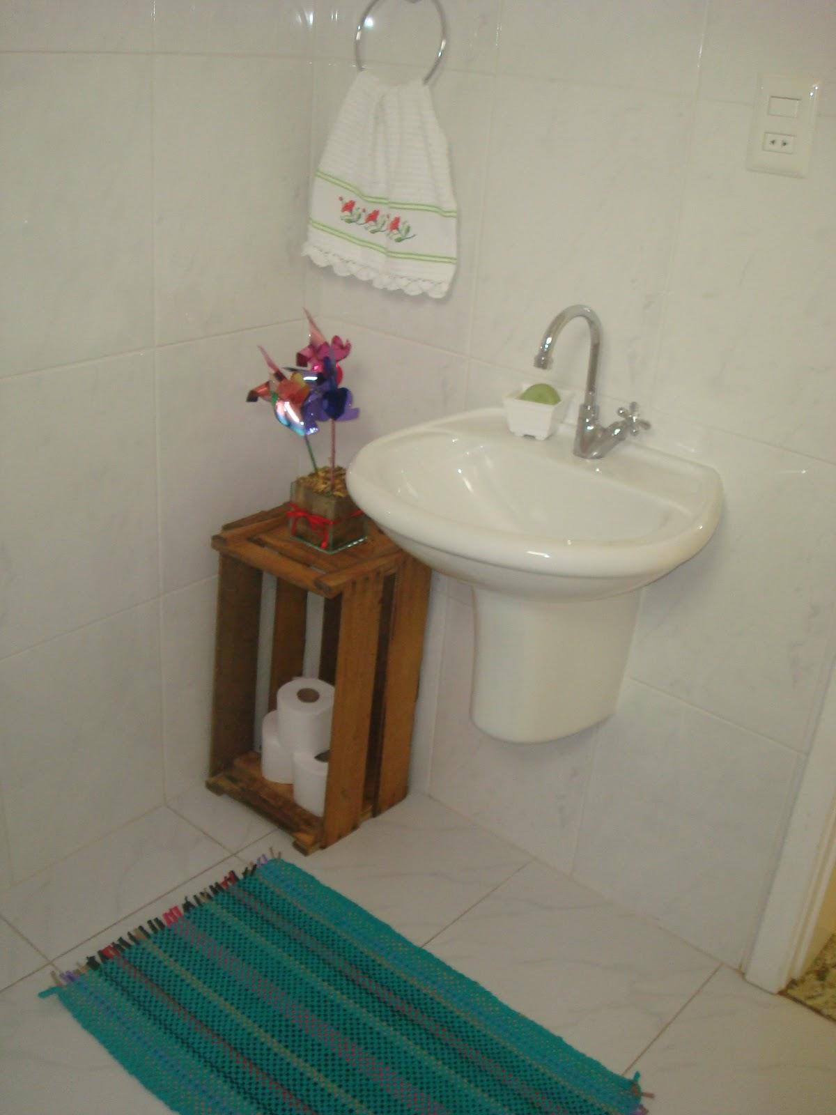 Armario Para Banheiro Feito De Caixote ~ Casinha de Passarinho A nossa casinha ! Caixote de feira virou armário e Catavento flores