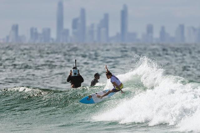 55 Roxy Pro Gold Coast 2015 Silvana Lima Foto WSL Kelly Cestari