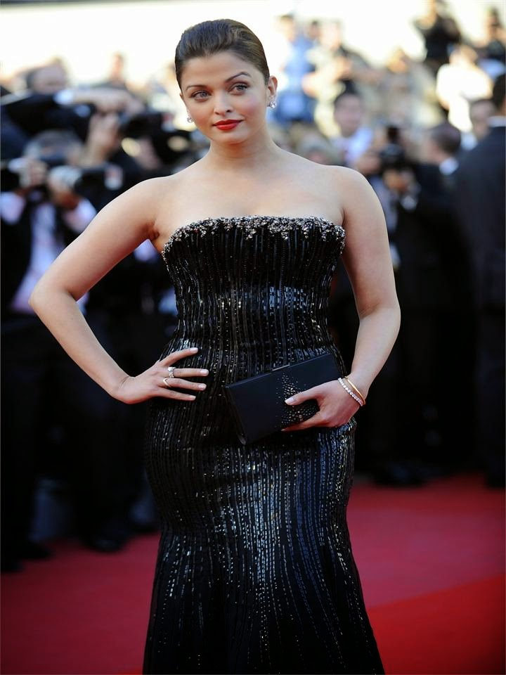 Aishwarya rai's looks very hot in her black gown on canne festival hot pic shd rare hot pics of hot bollywood actress