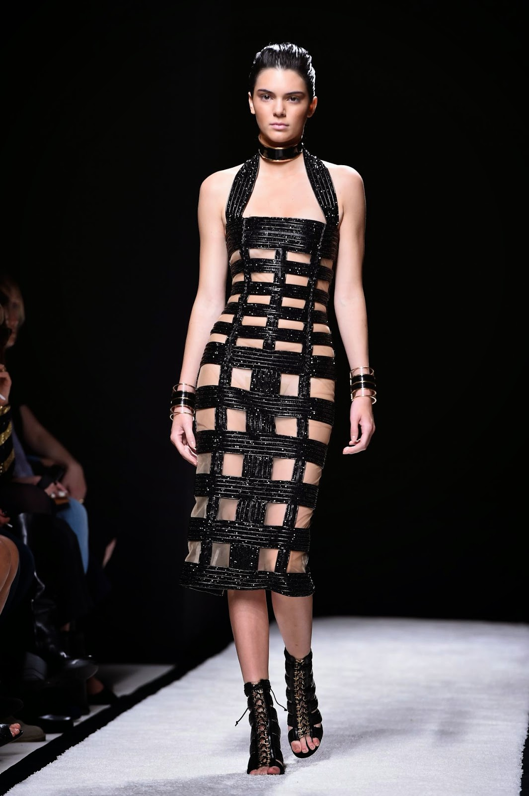 Kendall Jenner is sexy in a cutout dress on the Balmain Spring/Summer 2015 Paris Fashion Week Runway