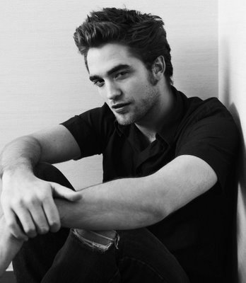 Robert Pattinson Robert Pattinson From @Twilight Hates His Hair — And Wants To Cut It All Off