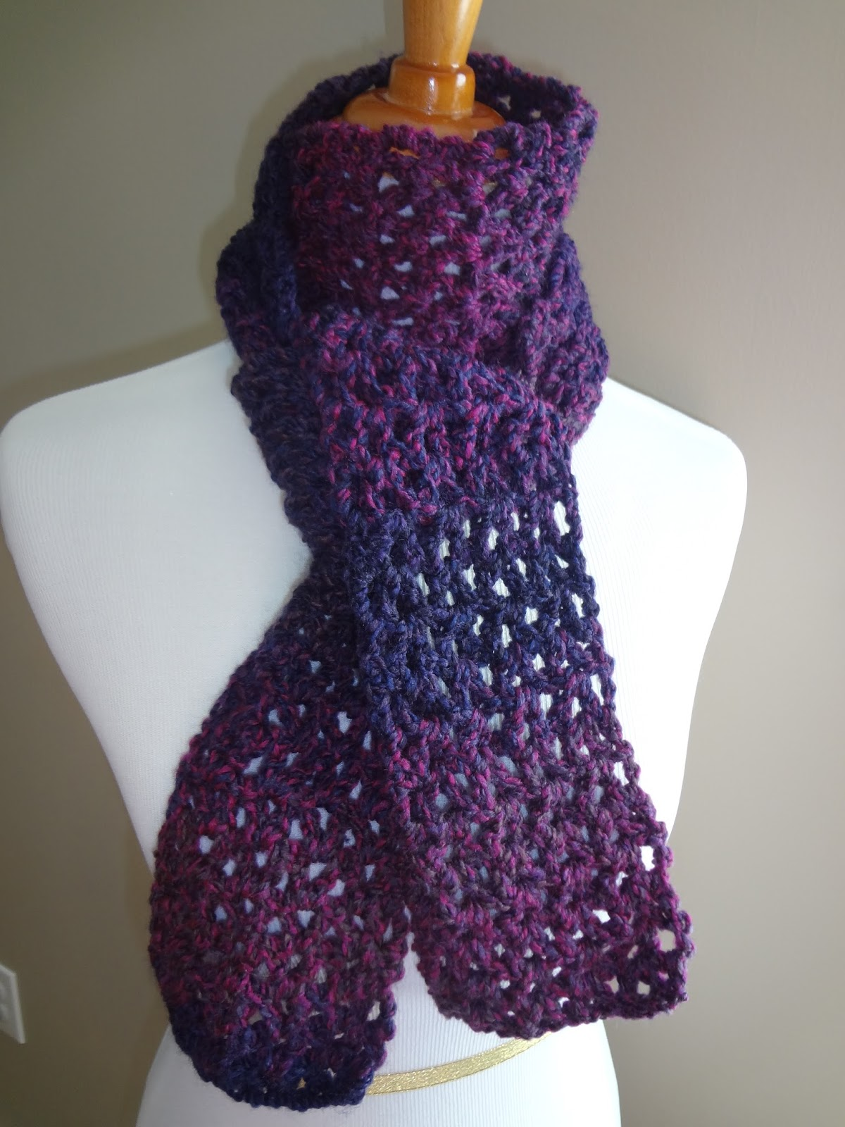 Crochet Stitches Good For Scarves : Fiber Flux: Free Crochet Pattern...Blueberry Pie Scarf!