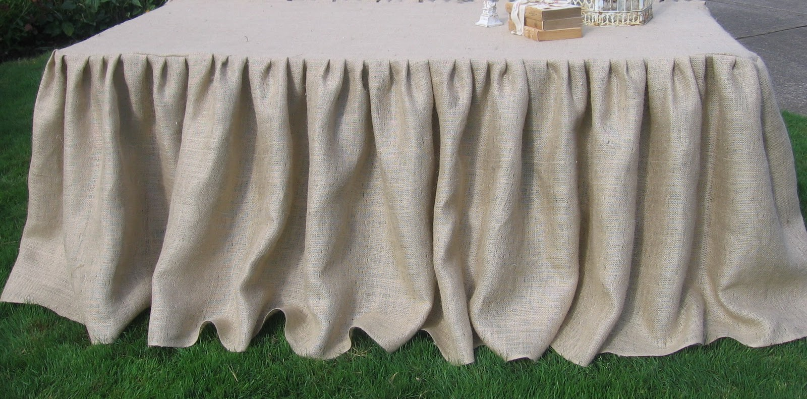 Make This On Pinterest Burlap Pillows And Tablecloths
