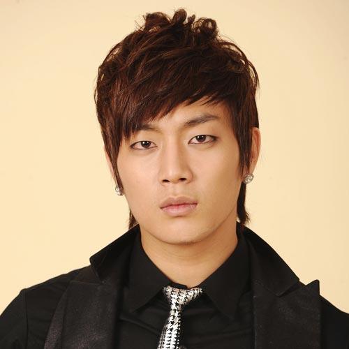 Korean singer Yoon Doo Joon hairstyle with bangs