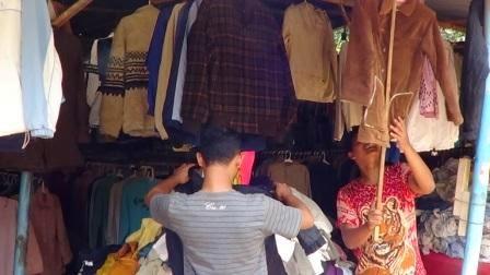 Pakaian Bekas Impor Masih Diburu Masyarakat