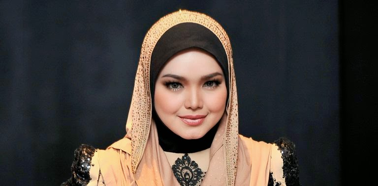 Datuk Siti Nurhaliza Cadang Artis Bantu Pulih Imej MAS