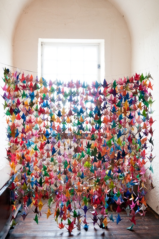 Diy paper crane mini art installation little house design for 1000 paper cranes wedding decoration