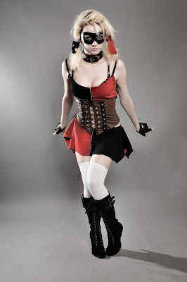 Alexa Karii cosplaying as DC comic's Harley Quinn