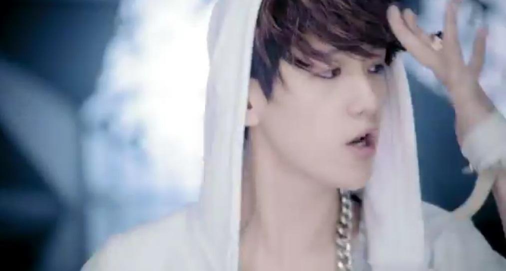Birth name: byun baek-hyun (hangul:  bcc0 bc31 d604 hanja: 908a  4f2f  8ce2) stage name: baekhyun ( bc31 d604)