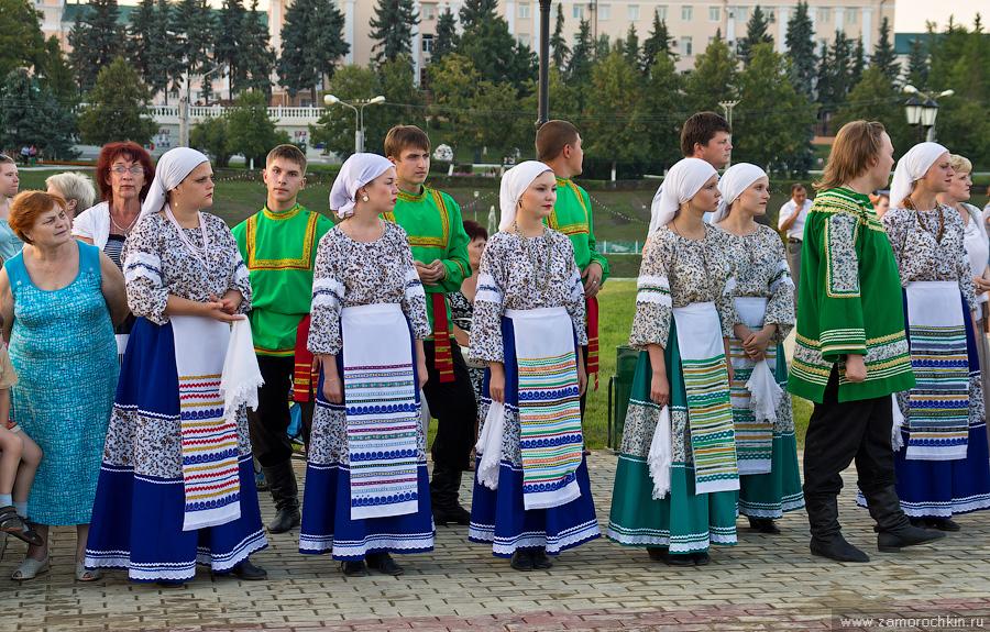 Творческие коллективы на открытии фонтанного комплекса Навеки с Россией