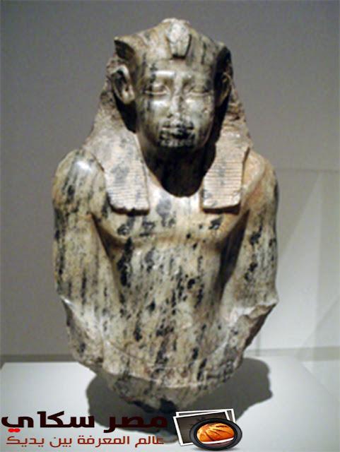 ملوك الدولة الوسطى والملك سنوسرت و أهم أعماله