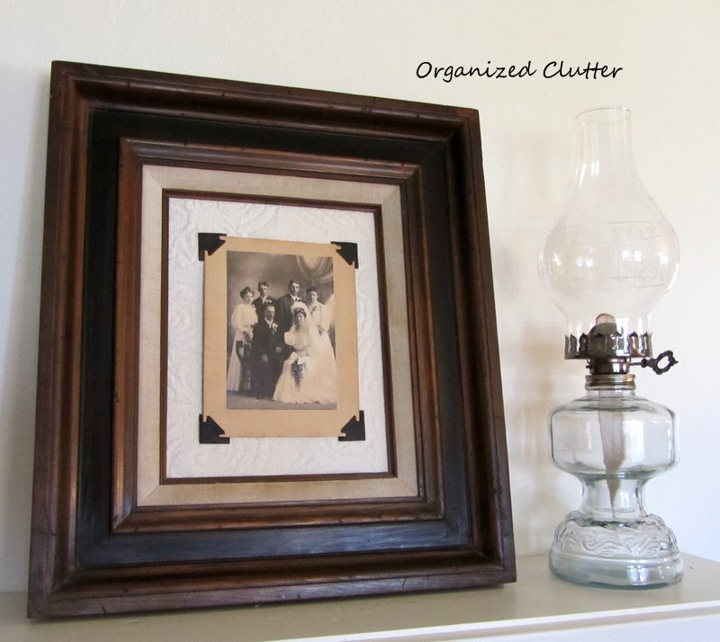Vintage Photo Corner Framing www.organizedclutterqueen.blogspot.com