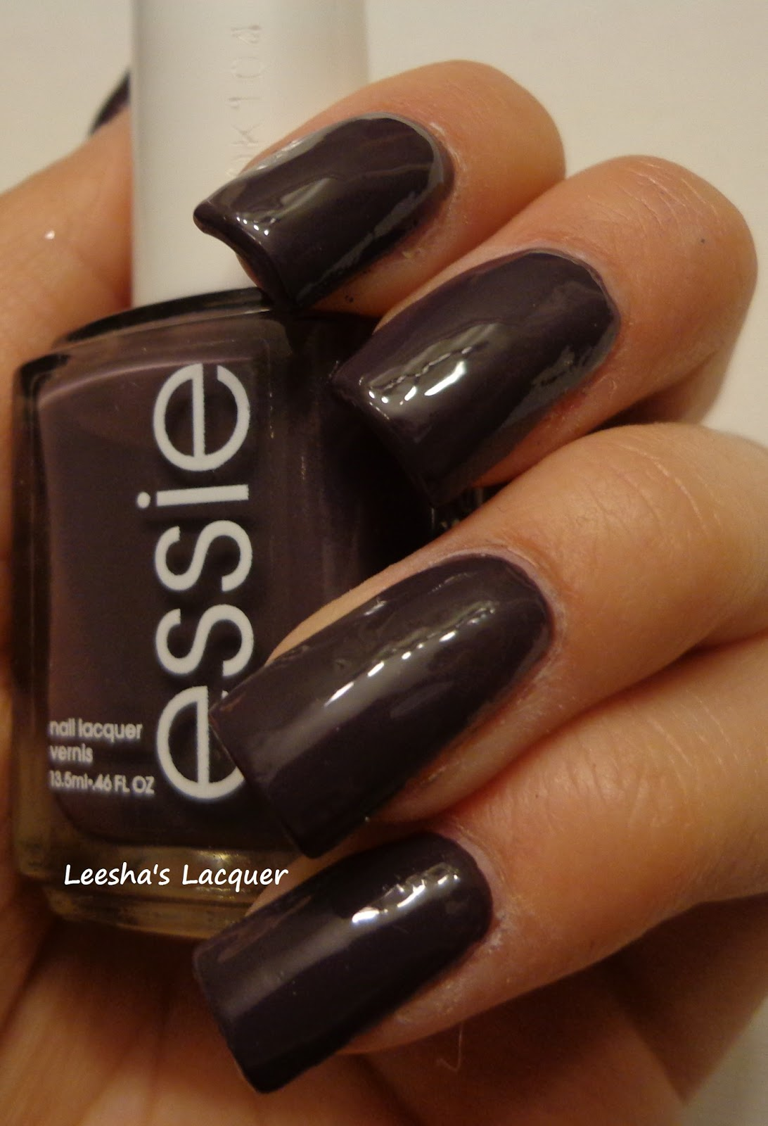 Leesha\'s Lacquer: Essie - Smokin\' Hot
