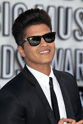 BRUNO MARS COOL HAIRCUT