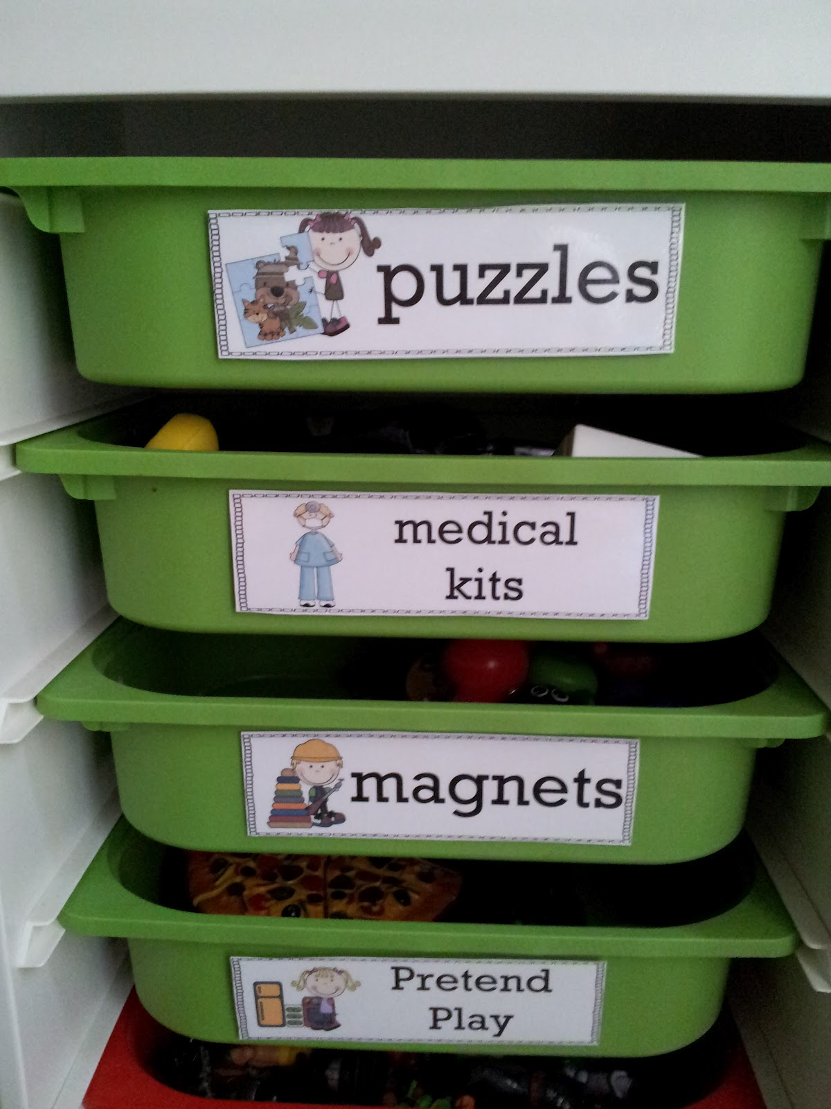 Free Classroom Bin Labels