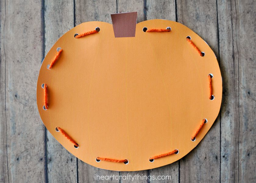 how to make a pumpkin bag out of paper