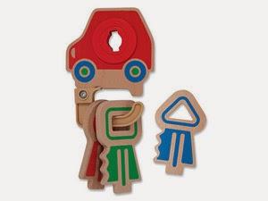 Çocuklar için oyuncak tahta kilit ve anahtarlık