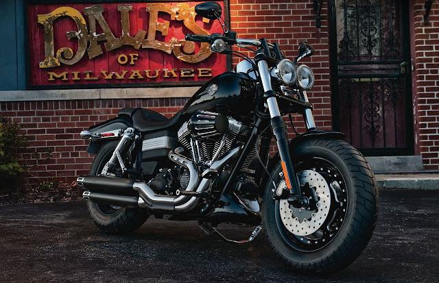2012-Harley-Davidson-FXDF-Dyna-Fat-Bob-Vivid-Black